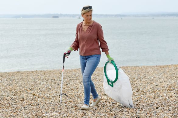 Countess of Wessex picking up litter at the beach